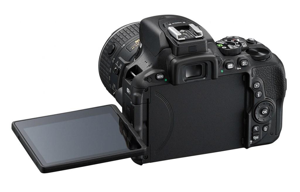 D5500_BK_18_55_LCD_3