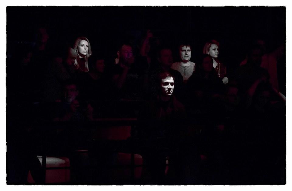 Тихие слушатели неспокойной панк-группы КняZz. Авторское фото для оформления интерьеров