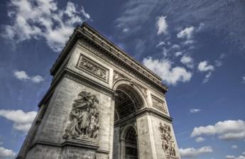 Mountainous (Arc de Triomphe, Paris 2011)