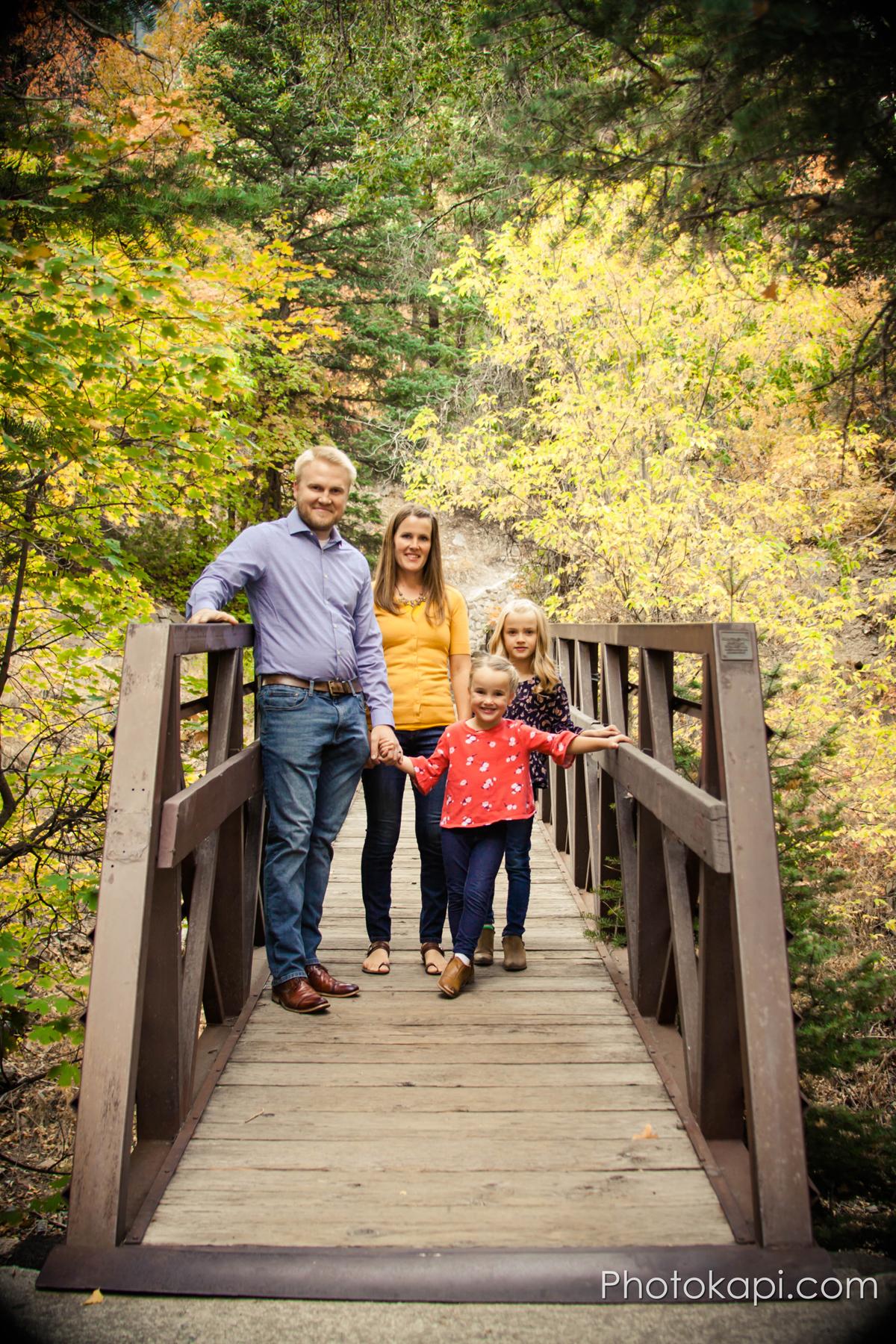 Happy Family Fall Photos | Photokapi.com