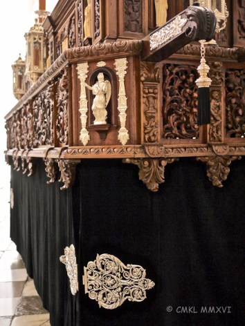 The carved ventilation panels are quite impressive, but the weight of the whole float must be tremendous!