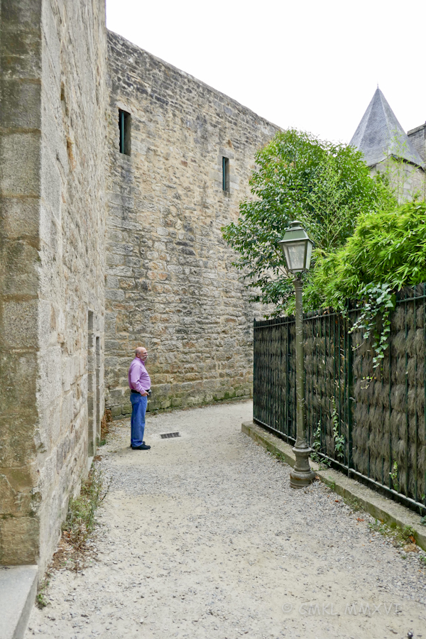 Inside the remparts ...