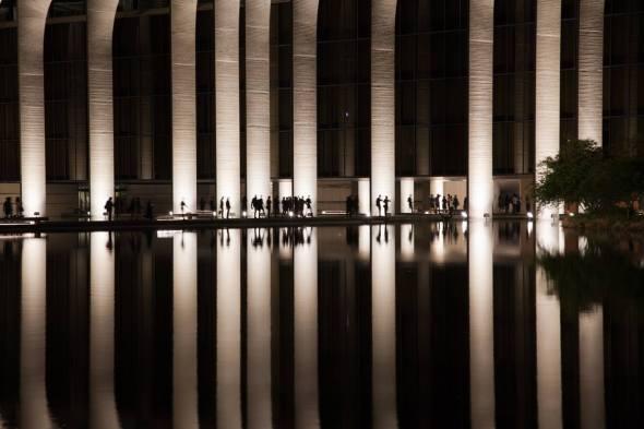 Fabrizio Crippa, Inaugurazione della nuova illuminazione permanente del palazzo, sede Mondadori, progettato da Oscar Niemeyer 06
