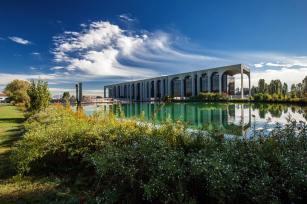 Fabrizio Crippa, Inaugurazione della nuova illuminazione permanente del palazzo, sede Mondadori, progettato da Oscar Niemeyer 07