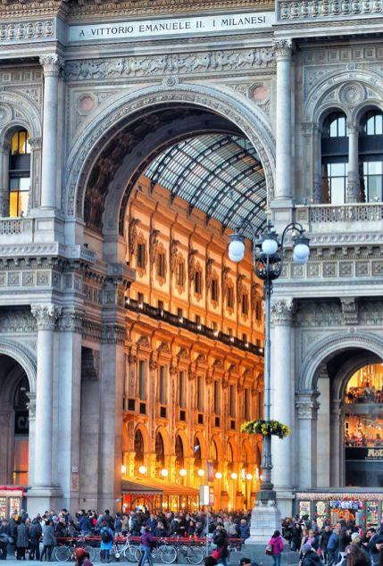Andrea Cherchi 005, Semplicemente Milano