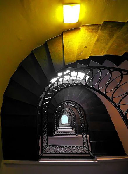Luigi Alloni 025, Staircase Project