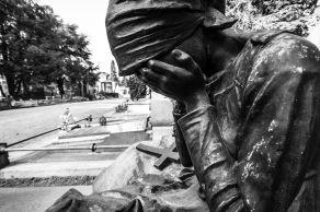 desperate 2 series statues