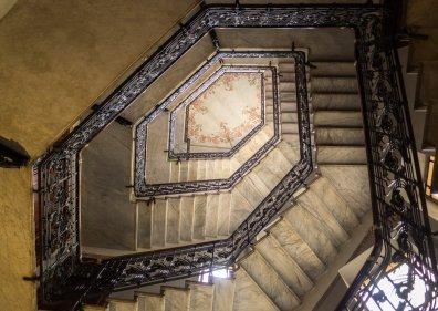 Liberty in Porta Venezia - di Roberto Ferrigno - Rampa della scale di casa Guazzoni
