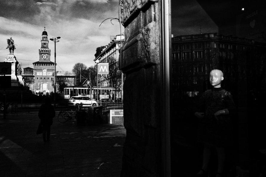 Ivan Origgi - Ghost in the City - secondo premio per la sezione Urban Design & People del concorso fotografico Giovanni Raspini Milano Mood Portrait