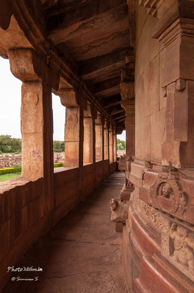 Curved, pillared outer corridor at the Durga temple, Aihole