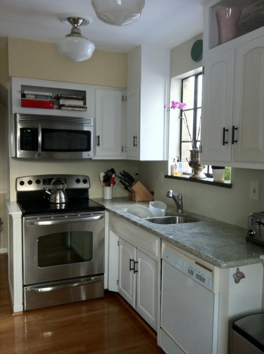 Small Kitchen Design Peninsula