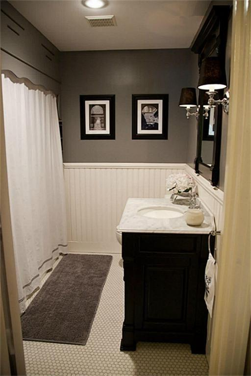 Photos Of Bathrooms With Wainscoting