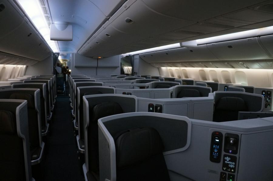 United Boeing 777 200 Inside