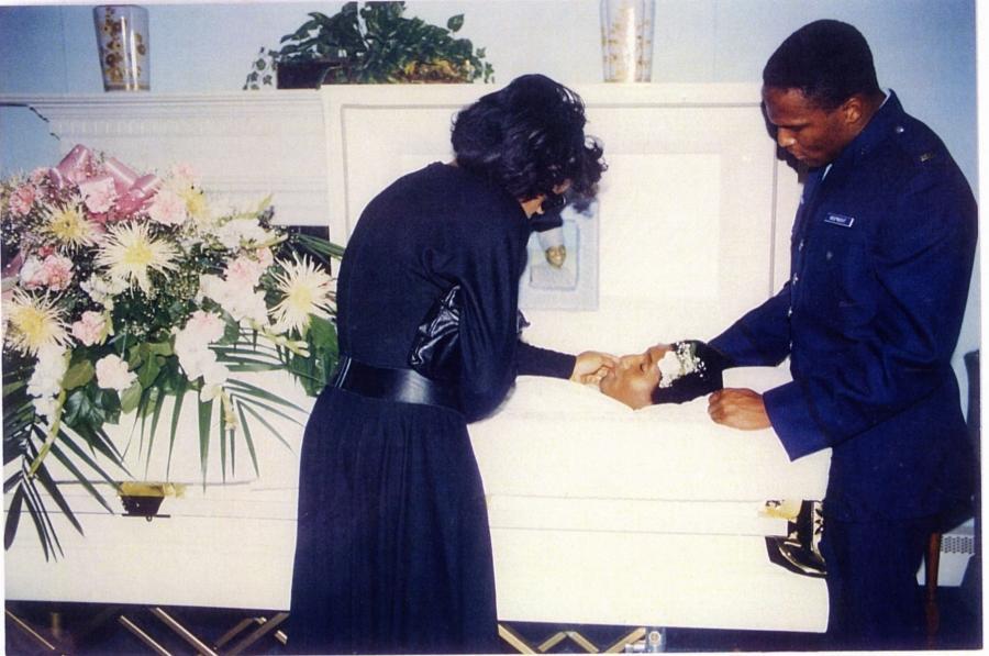 Easy E Funeral: Nwa Eazy E Funeral Open Casket