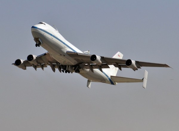 Space Shuttle Endeavor arrives in Style to Los Angeles ...