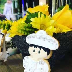 02bfbe3c8 Charro Hat Flower Arrangement | Gardening: Flower and Vegetables