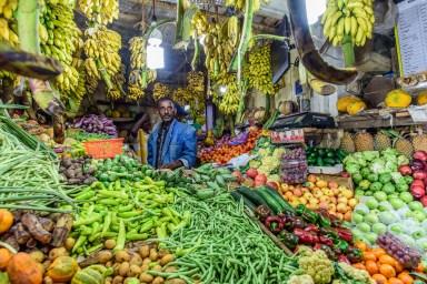 Gemüsehändler auf dem Markt von Nuwara Elyia