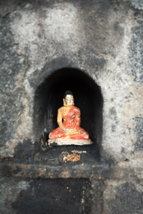 Buddhastatue am Gadaladeniya