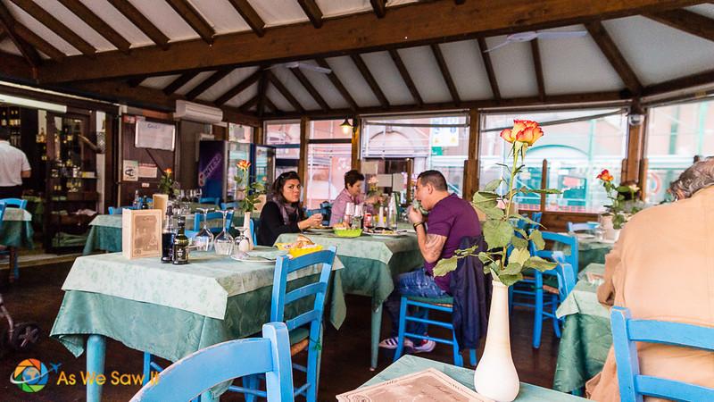 Civitavecchia restaurant in mid-afternoon