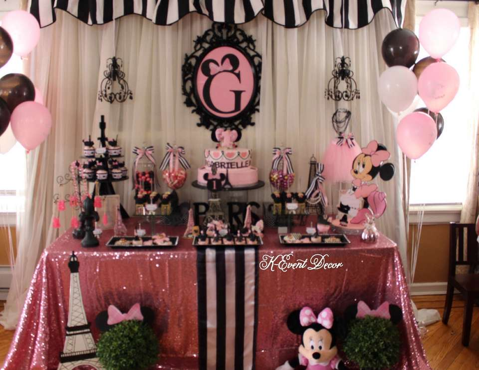 Queen Jungle Baby Shower Theme