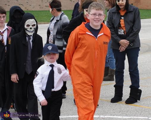 Cop And Convict Costume  sc 1 st  Poemsrom.co & prisoner costume diy | Poemsrom.co