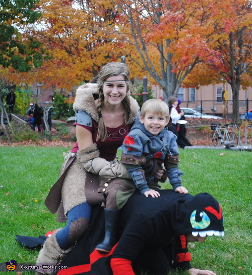 20 DIY Family Halloween Costumes that will save money, look amazing, and still let your family have a lot of fun!