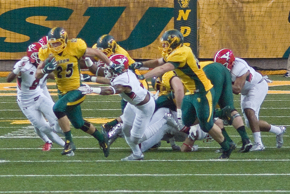 NDSU RB #25 Chase Morlock runs 71 yards for a Touchdown. 3rd and 1 at the NDSU 29. 7:34 left in the 1st Quarter. -<small>DSC03200 hoto by Craig Maas</small>.