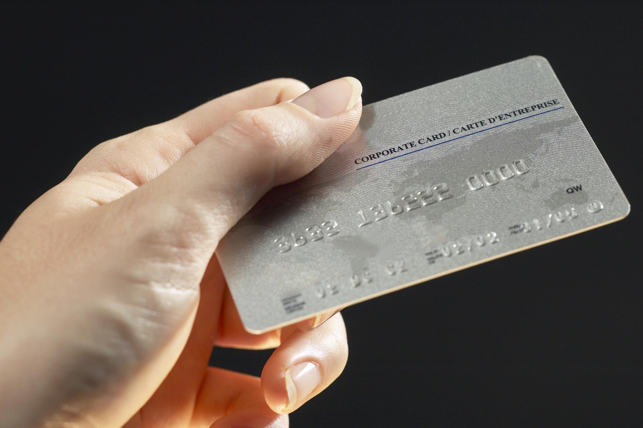 Resultado de imagen para tirar tarjeta de credito