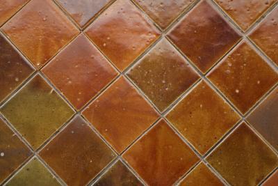 how to lay ceramic tile in a diamond style