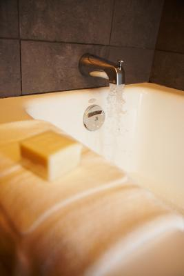 How To Fix Bathtub Faucet Leaks Old Fittings That Wont Loosen No Trap Door Home Guides SF