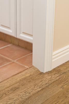 a threshold floor reducer to ceramic tile