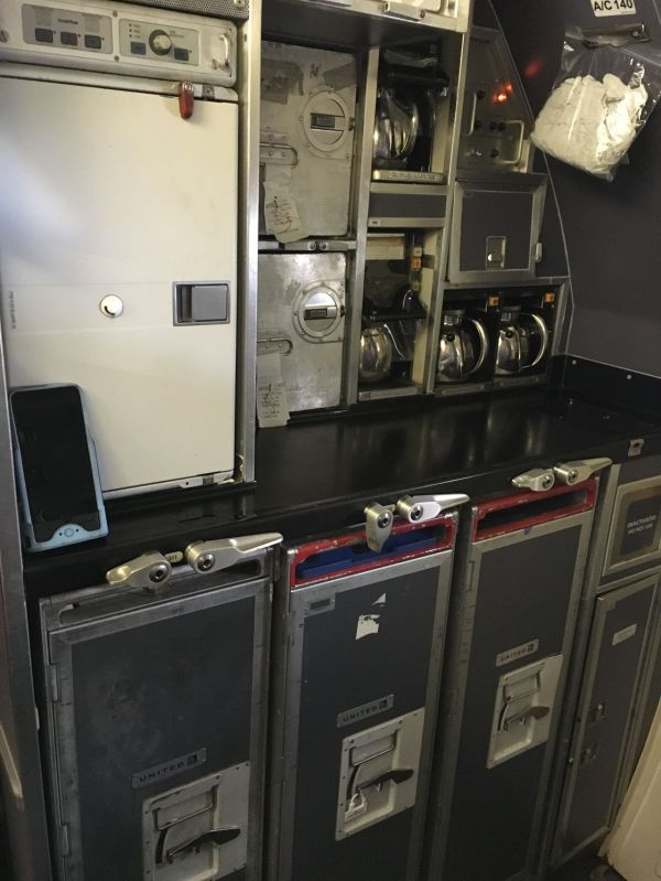 Review of United flight from Houston to Washington in ...
