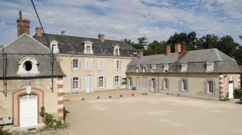 La cour du prieuré