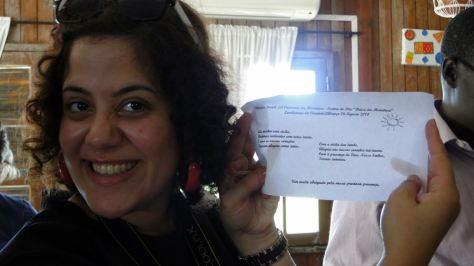 Chacun de nous reçoit un poème préparé par les personnes du Centre
