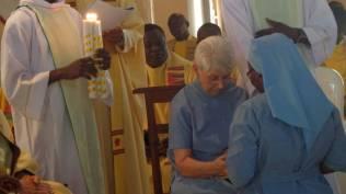 Engagement entre les mains des Sr Anne, Prieure Générale
