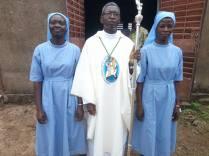 Avec l'évêque