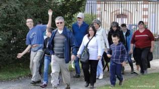 Un petit groupe va à la rencontre de ceux qui qui marchent et jeûnent depuis mercredi