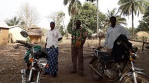 Dans un village pour les prêts