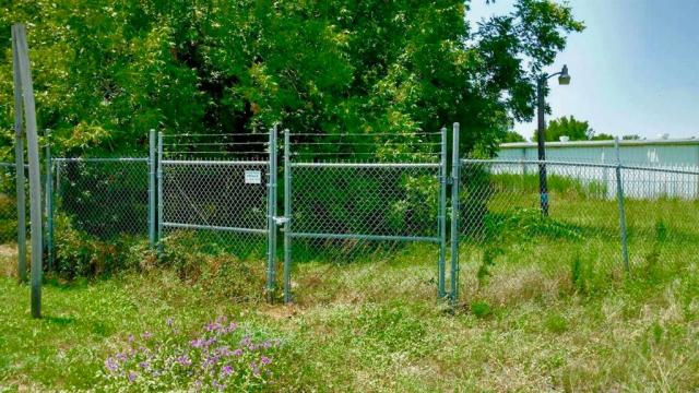 COMMERCIAL PROPERTY FOR SALE ON SOUTH 4TH STREET/HWY 19!  Check out this well-traveled, fenced property for your new business! Lot size is as follows: Front Foot – 100 Feet, Rear Foot – 100 Feet, Lot Depth – 126.5 Feet Per Houston County Appraisal District. Come take a look at this property today!