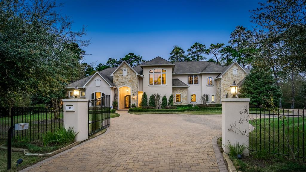15  Bridle Oak Court