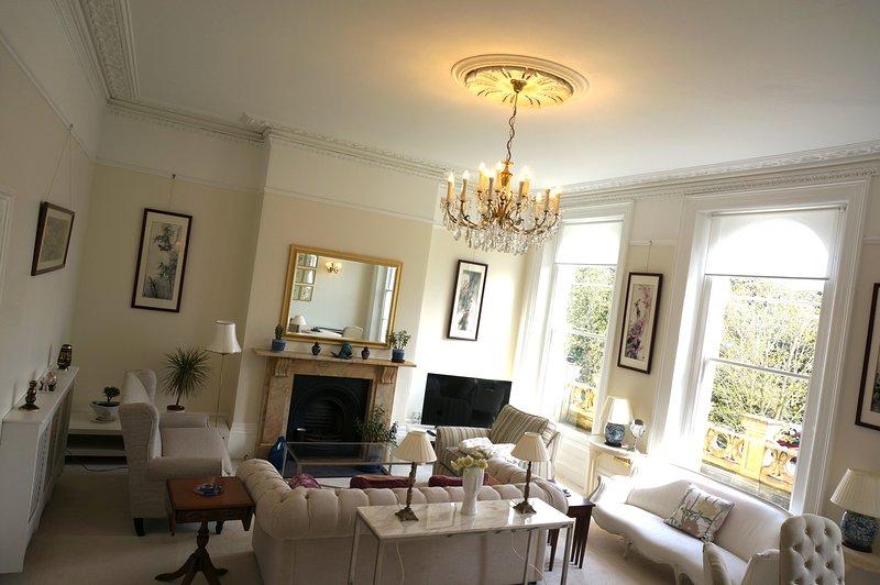 2 Bed Apartment In Cheltenham 9297494 Luxury Apartment