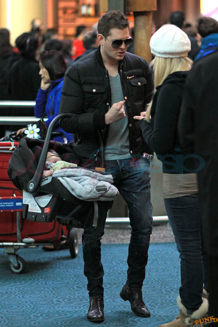 Michael Buble Picks Up Wife Luisana Lopilato And Family At