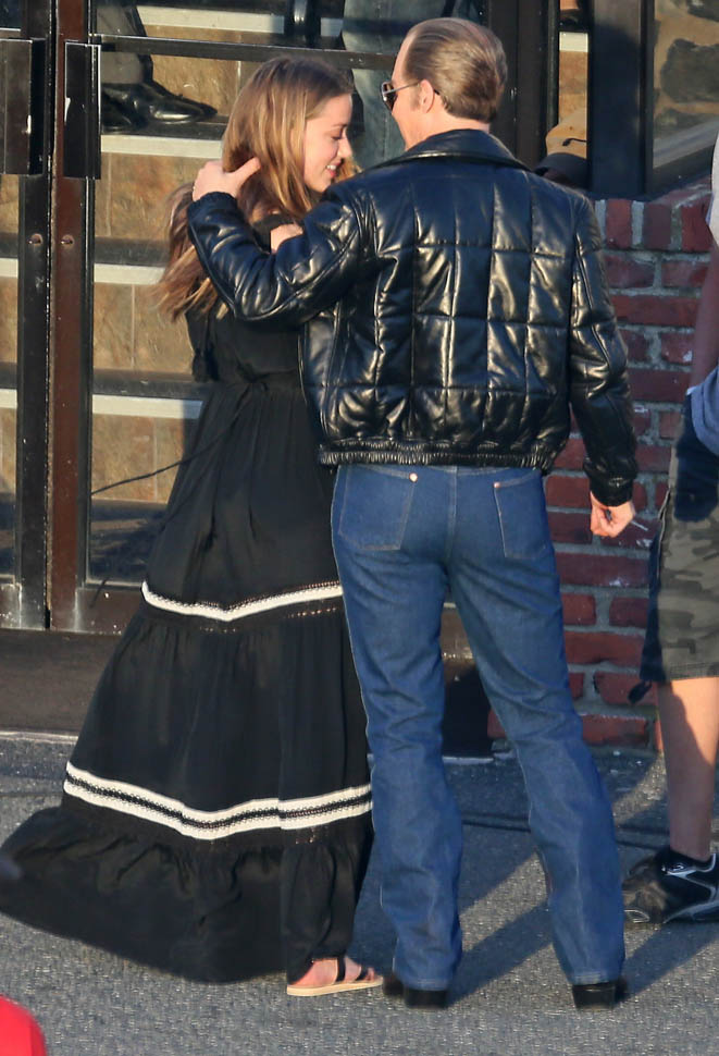 Johnny Depp In Gross Jeans Hugs Amber Heard Lainey Gossip