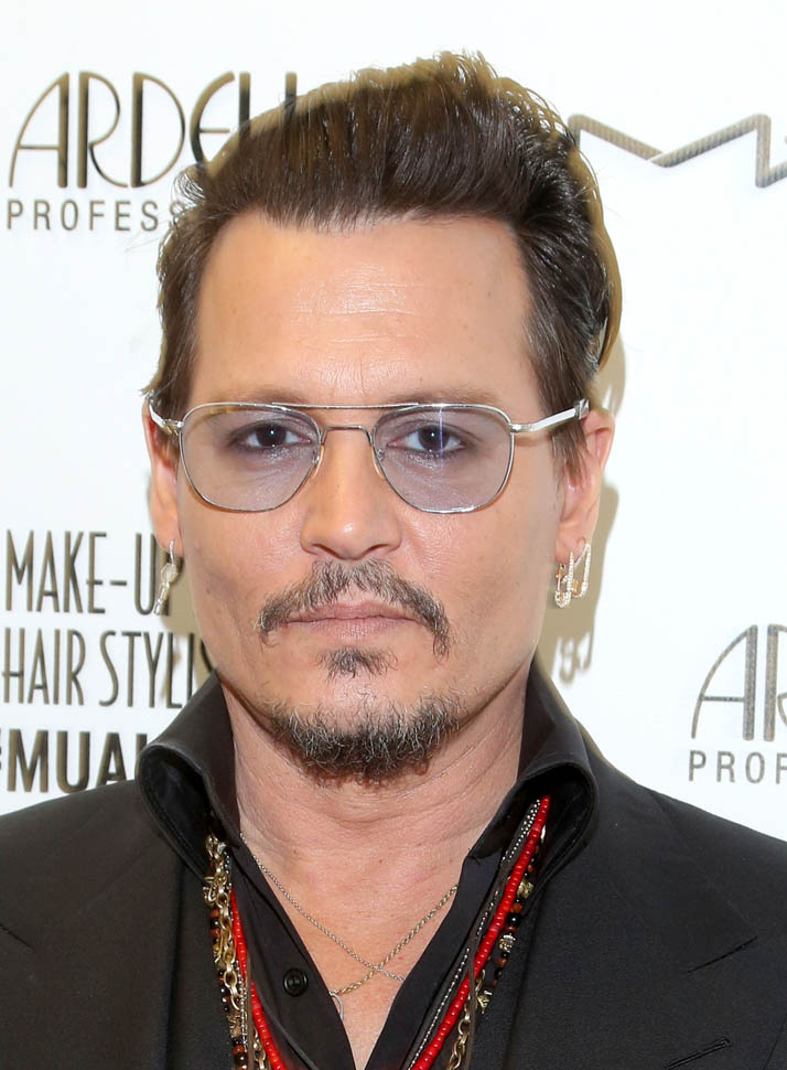 Johnny Depp Honours Ve Neill At The Make Up Artists And