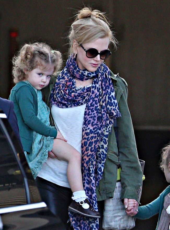 Nicole Kidman And Daughters Arrive In Australia For