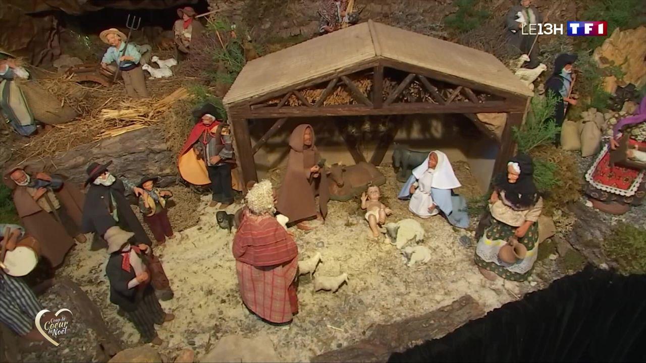 Coup De Cœur De Noel Du 13h De Tf1 Luceram Le Village Aux Plus De 400 Creches Lci