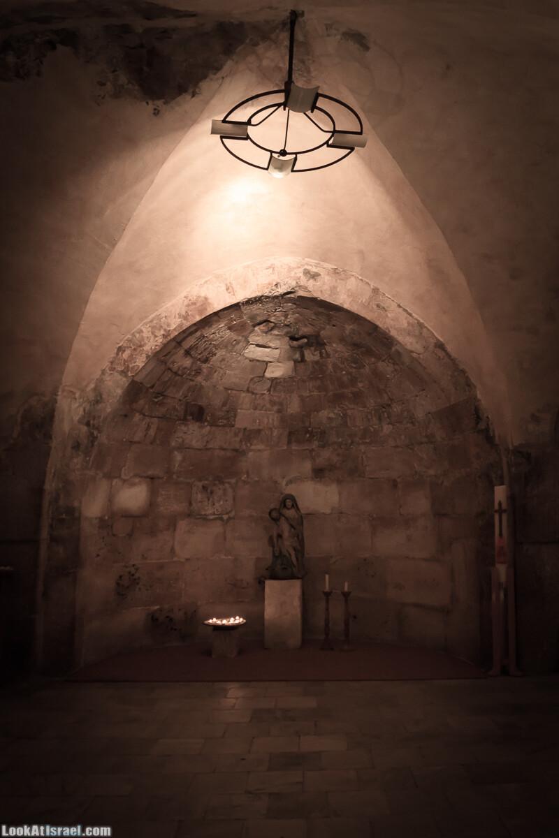 Бенедиктинский монастырь в Абу Гош | LookAtIsrael.com - Фото путешествия по Израилю