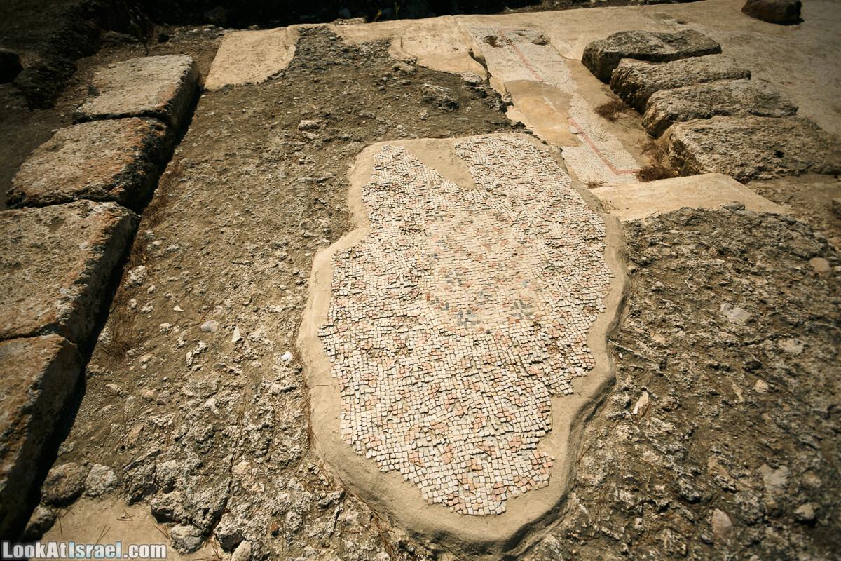 Эммаус Никополис - место преломления хлебов | LookAtIsrael.com - Фото путешествия по Израилю