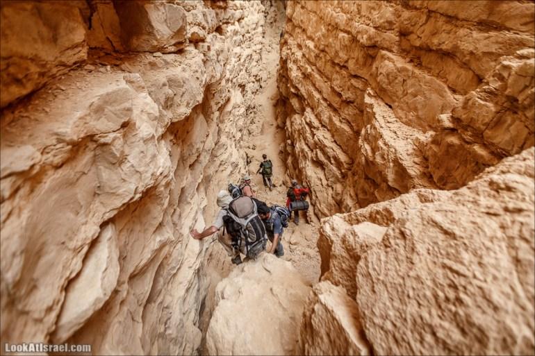 Трещины в пустыне, Сдаким, Нахаль Хава, Эйн Акев, Шавив   מעוק סדקים נחל חווה עין שביב עין עקב   LookAtIsrael.com - Фото путешествия по Израилю