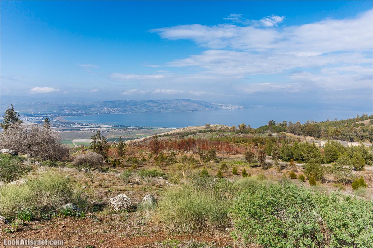 Смотровая площадка Кинерет Мендель, Голанские высоты - водопады и исторические места | LookAtIsrael.com - Фото путешествия по Израилю